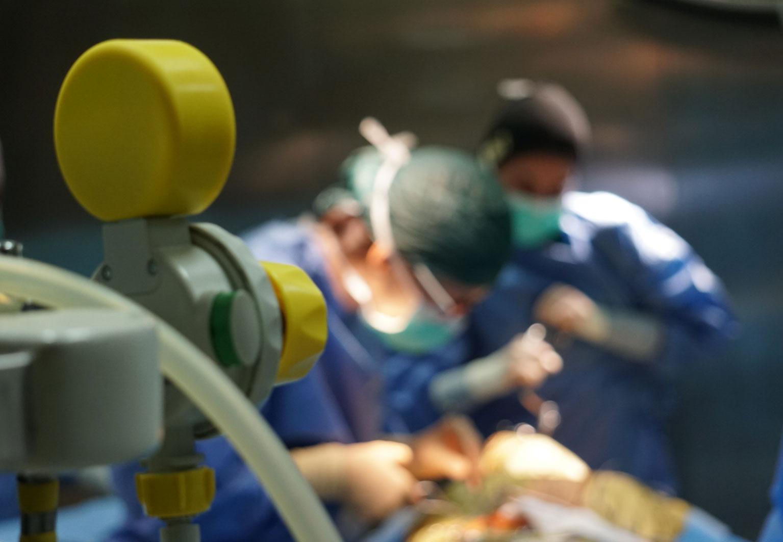 Team medico durante un'operazione